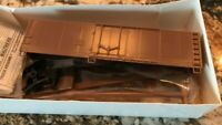 Walthers HO Kit #932-3300 40' Plug Door Reefer - Undecorated Kit - New Old Stock