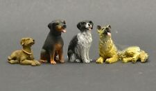 Reality In Scale 35225 Large dogs 1:35 scale resin diorama accessory