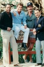 TOM SELLECK, JOHN HILLERMAN, ROGER E. MOSLEY 8X10 PHOTO