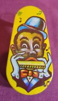 VINTAGE 1950's TIN LITHOGRAPH BLACK AMERICANA NOISEMAKER - US METAL TOY Co.