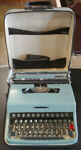 1960's Vintage Olivetti Lettera 32 Portable Typewriter With Case Made In Italy