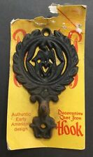 VTG. NOS CAST IRON EAGEL /W HEART DECORATIVE HANGING HOOK