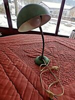 Ancienne lampe de bureau articulée orientable en métal chromé-vintage 1940/50