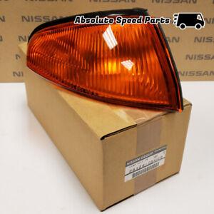 NEW GENIUNE Nissan Skyline R32 GTR Turn Signal Light Assembly Right 26124-05U00