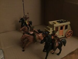 Cowboys and Indians Toy soldiers plastic action figures .Stage coach bundle