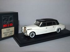 Mercedes-Benz 300L - 1960 - Closed Cabriolet - Rio Models 1/43