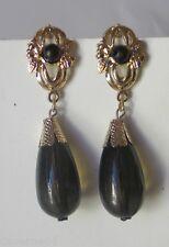 ANCIENNES BOUCLES D'OREILLES PLASTIQUE NOIR METAL DORE vintage earrings A9