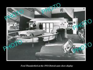 OLD POSTCARD SIZE PHOTO OF FORD THUNDERBIRD 1954 DETROIT MOTOR SHOW DISPLAY