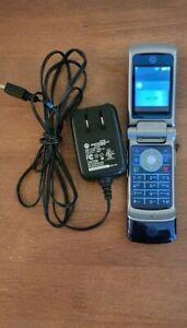 AT&T RZR Motorola Flip Phone S51SN184QF SKU 64673 K1 GSM