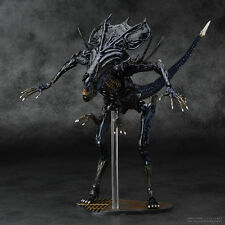 Hot Aliens vs Predator Kaiyodo Revoltech 018 Alien Queen PVC Action Figure