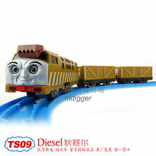 TOMY TRACKMASTER THOMAS TS-09 DIESEL 10 + 2 TRUCKS BATTERY MOTORIZED TRAIN
