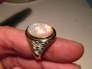 6.3 ct.  Large Welo opal  Men's  Ring Solid 14 k Gold   13.1  grams  14 k