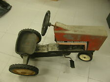 Allis Chalmers Pedal Car 8070 A-64 Part 190-7601 Mid 1980 - The Ertl co USA