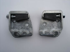 VW TYPE 1 BUG 1960-1964 DOOR LATCH STRIKER PLATES
