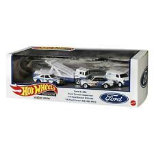 1:64 Hot Wheels Premium Set 2021 Ford Race Team Real Riders 4 Cars Diorama