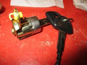 SUZUKI SWIFT --GEO METRO 1989-1994---   NEW -Door Lock Cylinder  -LEFT SIDE