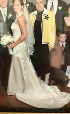 Monique Lhuillier Wedding Dress, Mermaid, Ivory, Size 4-6, Excellent condition