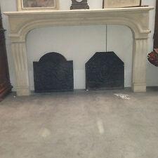 Cheninée en pierre / Cheminée ancienne / Fireplace