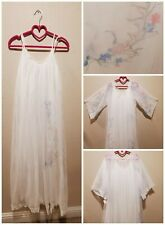 Gorgeous Vintage Nos Hollywood Glam 60s 70s Fluffy White floral Peignoir Set