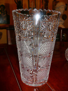 Elegant American Brilliant Period (?) heavy crystal vase, decoration accessory a