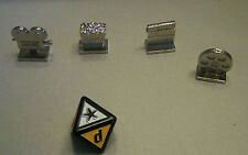 4 Metal Tokens and 8-sided die from Scene It game - popcorn, projector, reel...
