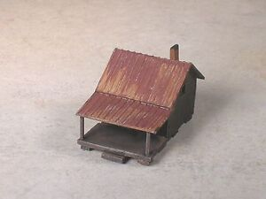 Z Scale Wilderness Weathered Fish'n Cabin