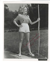 Betty Grable Signed 8 x 10 Photo / Autographed