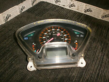 Honda Panteón fes125 Fes 125 2003-07 Relojes 32323 millas cubiertos