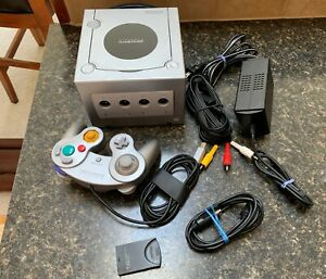 NINTENDO GAME CUBE PLATINUM SILVER  Controller Cords 16MB Storage & extra cord