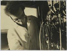 Italia, Laboratorio. Microonde 10 Ghz  Vintage silver print Tirage argentique