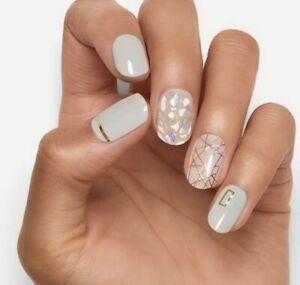 Dashing Diva Nail Strips Gloss Ultra Shine All Lined Up 34 Nail Strips