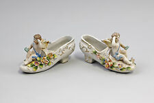 Porzellan Paar Väschen Damenschuh mit Putto 9937909