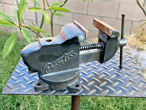 VTG.PRENTISS 53 1/2 JAW BENCH VISE W/ SWIVEL BASE AND PIPE GRIPS ...NO RESERVE!