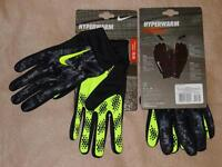 Nike Hyperwarm Dri-FIT Field Player Soccer Football Gloves, L Black/Volt - NWT!