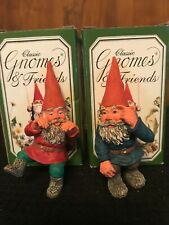 Rien Poortvliet Classic Gnomes. Flip climbing 700118 and Franco be Smart 700125