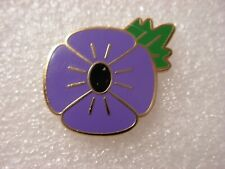 Purple poppy with leaf pin badge. Lest we forget. Animal Animals. Metal. Enamel.
