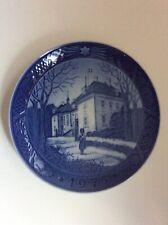"""Royal Copenhagen Collector Plates 1975 """" The Queen's Christmas Residence"""""""