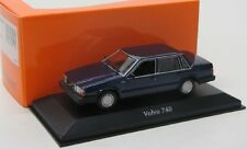 Volvo 740 ( 1986 ) dunkel blau / Maxichamps 1:43