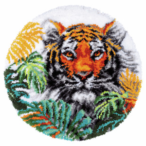 Tiger With Jungle Leaves.  Vervaco latch hook kit Rug Making kit 67cm diameter