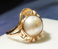 Gorgeous 14K Gold 10mm Mabe Pearl Ring w Diamond accent (Size 6)
