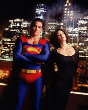 Lois and Clark [Cast] (12956) 8x10 Photo
