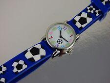 Trendige Kinderuhren für Jungen & Mädchen 3D Armband Uhr Fussball Kinderuhr NEU