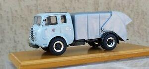 Camion/Truck Fiat Alfa Romeo 455 raccolta rifiuti urbani Comune di Milano 1/43