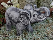 Steinfigur Elefanten Elefant mittel schwarz patiniert Weißbeton