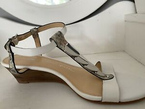 Moda in Pelle Silver And White Low Wedge Leather Sandals. Size 39