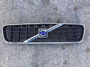 2001 2002 2003 2004 Volvo S60 front bumper grille OEM