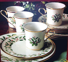 Lenox Holiday 12 Piece Dinnerware Service for 4 Gold Banded Holly/Berry $440 New