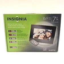 "Insignia NS-DPF7 7"" Digital Picture Frame With Remote Control NIB"