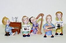 Figures/ Figurines