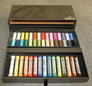Rembrandt Pastels The Professional Choice Double Tray- 30 Half Length/15 Full